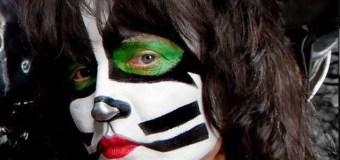 Badlands Bassist Talks KISS Drummer Eric Singer – full in bloom Interview Excerpt