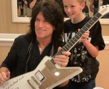 Tommy Thayer @ 2019 Indianapolis KISS Expo – Indiana/Indy