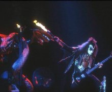 """Sam T. Serpent Made His Debut With KISS On The LOVE GUN Tour"""