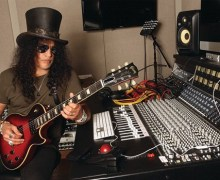 """Slash Says Guns N' Roses Will """"Start Moving Toward Getting A Record Done"""" 2020 Guitar Player Interview"""