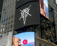 Pink Floyd 'The Later Years' Advertisement in Times Square, New York City 2019 – VIDEO