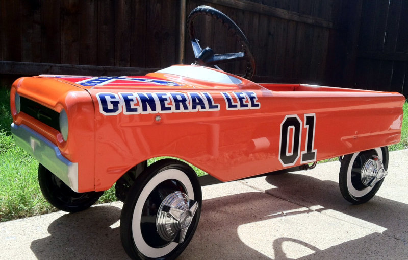 "General Lee Pedal Car with Confederate Flag and ""01"" decals"