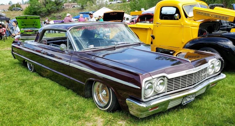 Chevrolet Impala lowrider slammed