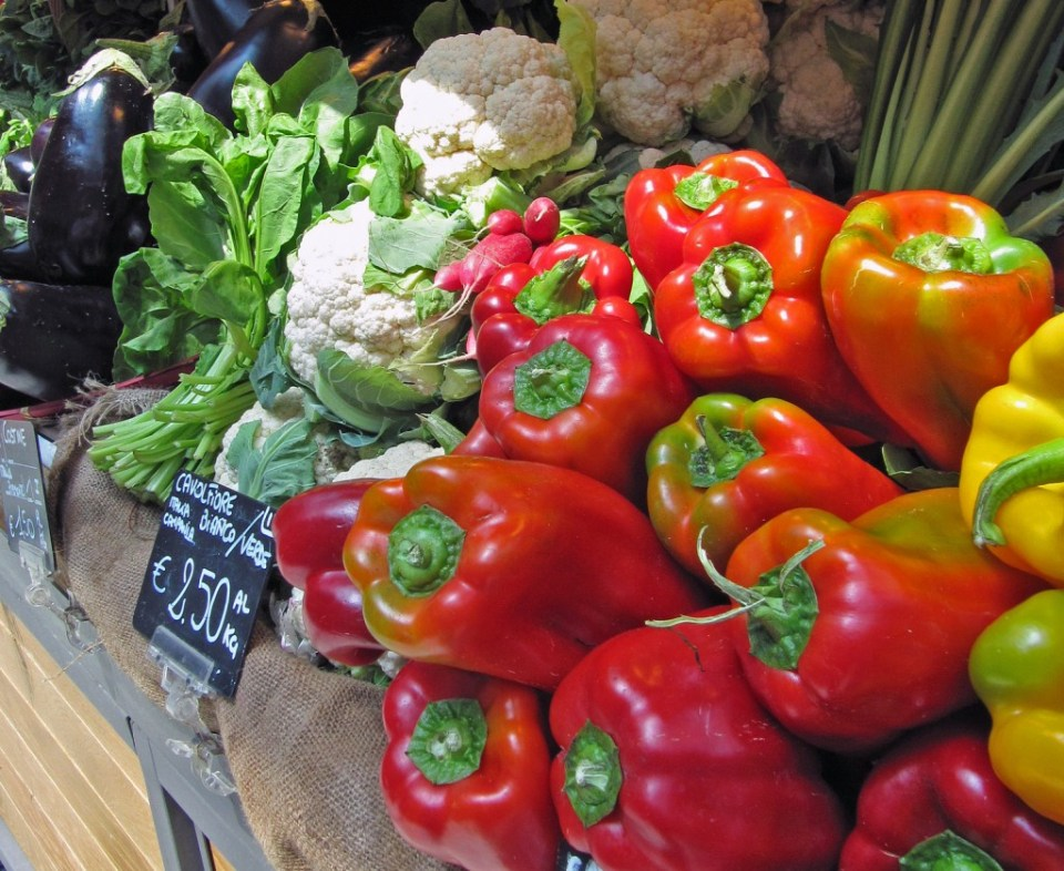 Slow food market in Lignotto by LukeNM, Creative Commons.