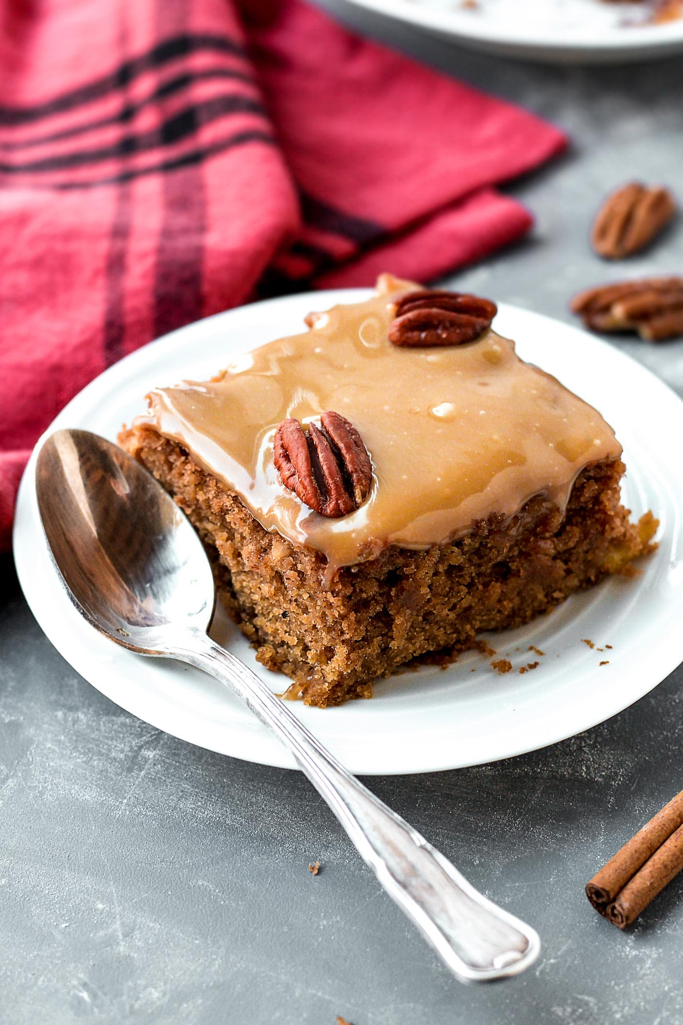 Vegan Moist Chai Applesauce CakeVegan Moist Chai Applesauce Cake