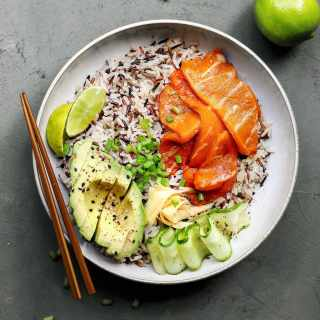 "Sushi Bowls with Vegan Smoked ""Salmon"""