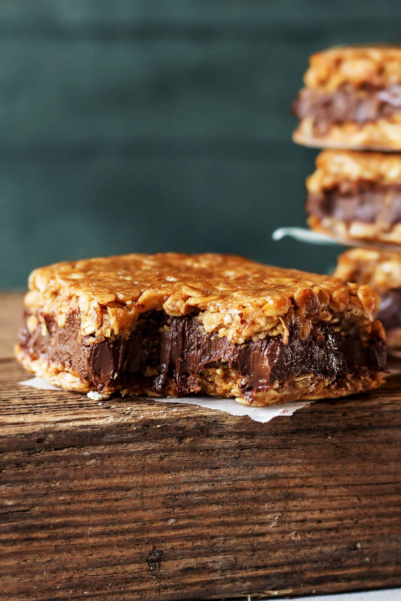 Chewy Nutella Oatmeal Cookie Bars