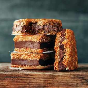Chewy Nutella Oatmeal Bars