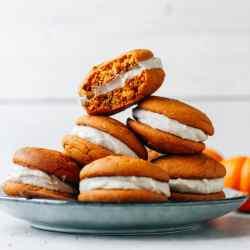 Pumpkin Chai Whoopie Pies