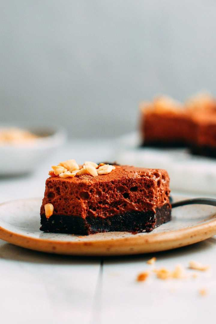 No-Bake Vegan Chocolate Mousse Brownies