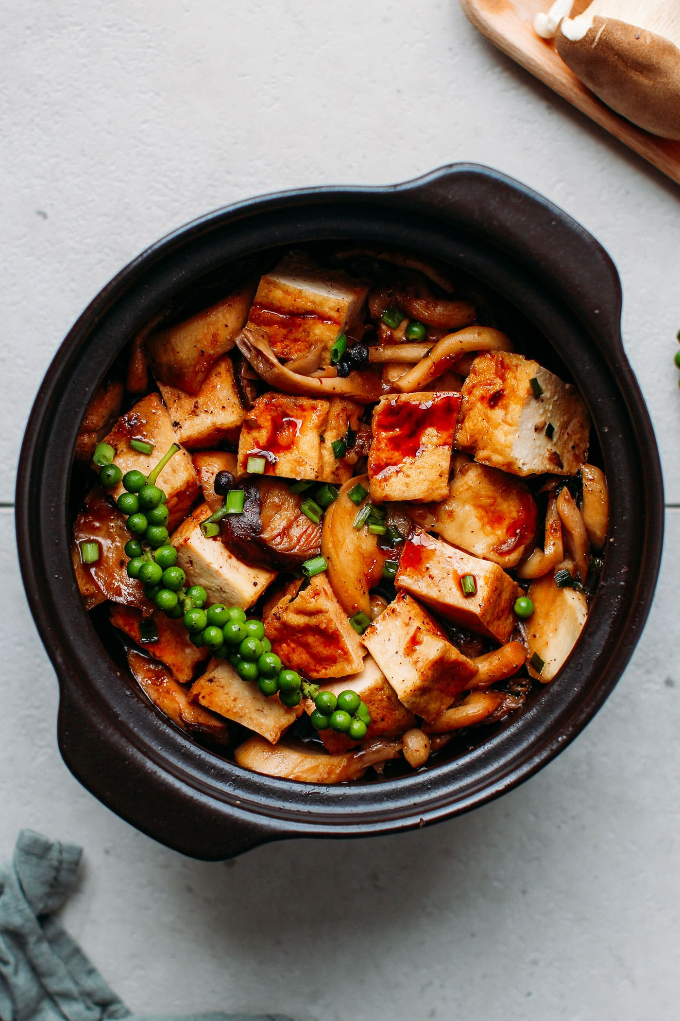 Braised Tofu & Mushrooms in Clay Pot