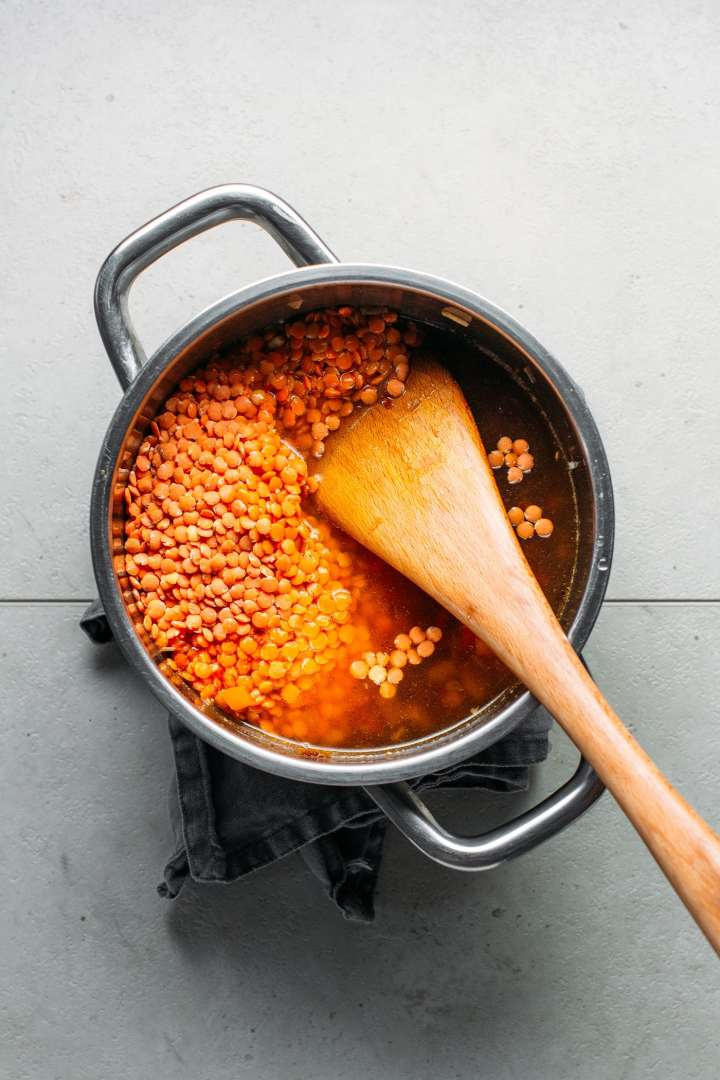 1-Pot Sweet & Sour Red Lentil Soup