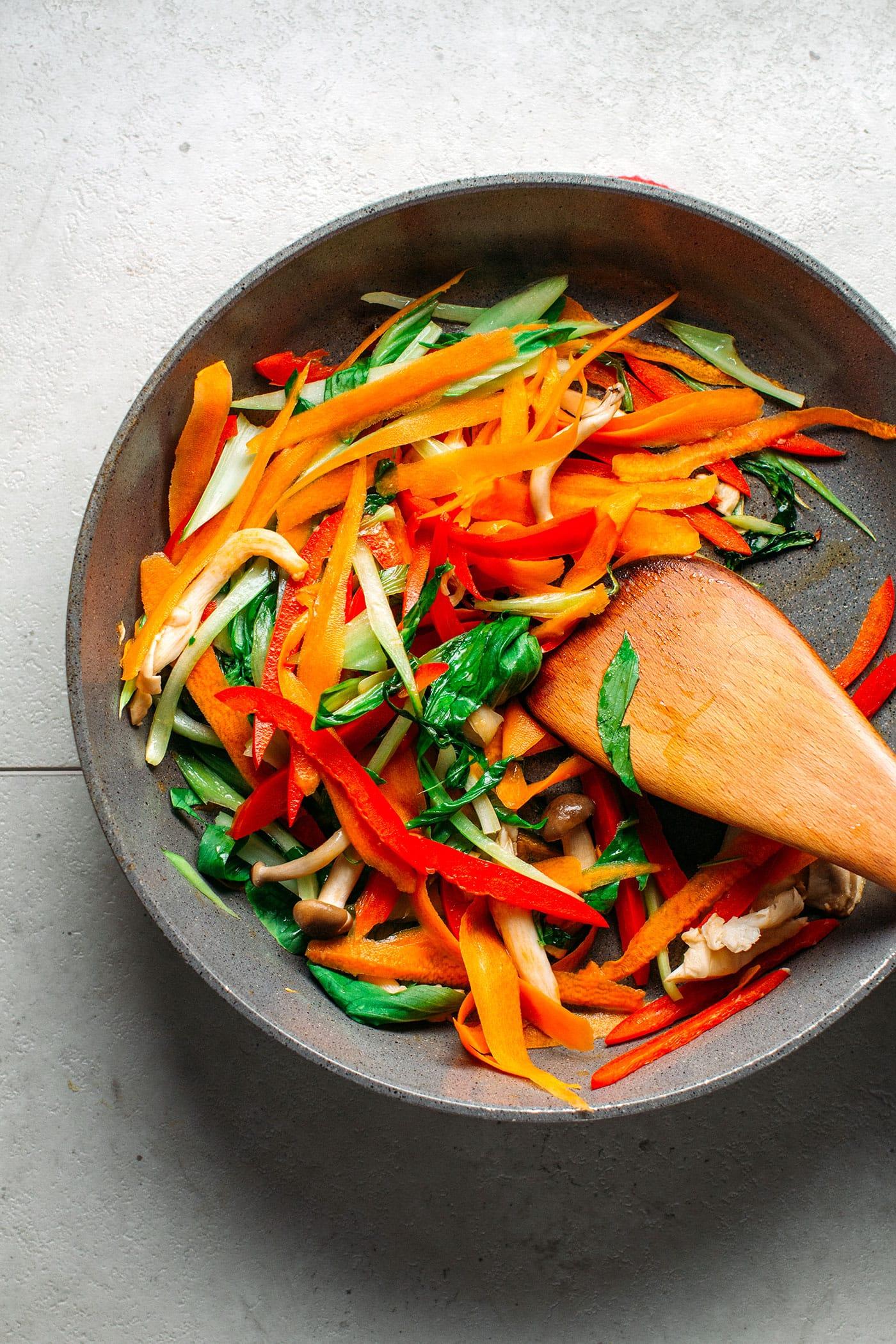 Satay Stir-Fry Udon Noodles