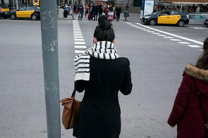 17. Шарф и пешеходный переход.