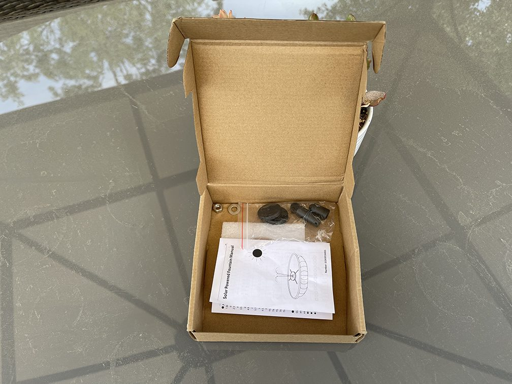 Ihoomee Solar Fountain additional box contents
