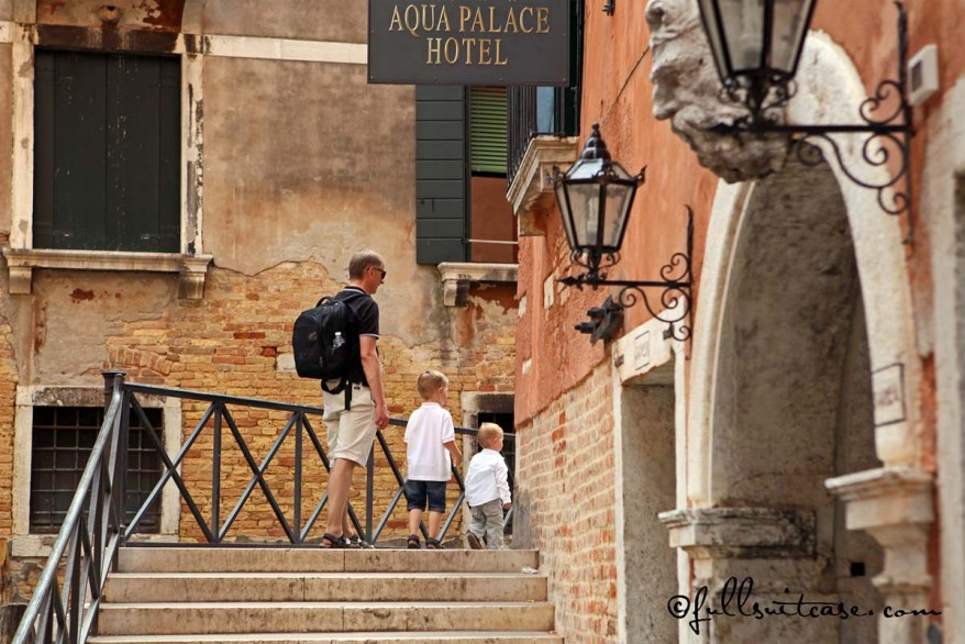 Exploring Venice with a family and young kids on foot