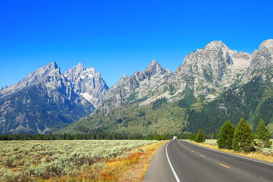 American road trip - driving in Grand Teton National Park