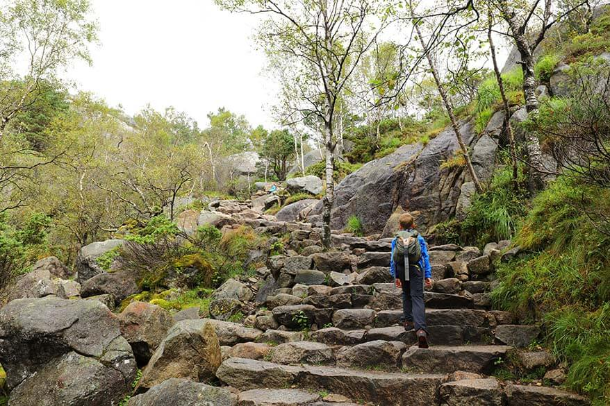 Kids hiking to the Pulpit Rock in Norway