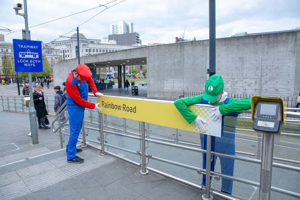 Manchester Metrolink - Piccadilly Gardens renaming in action