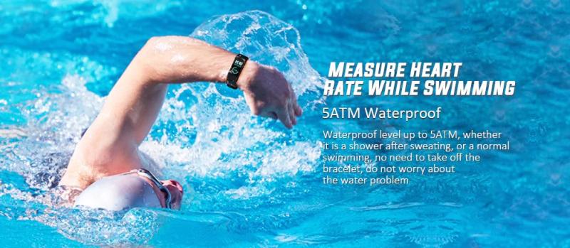 Xiaomi Mi Band 4 Being worn by someone Swimming