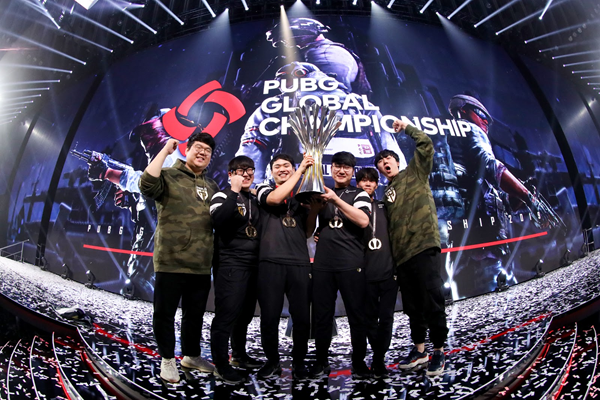 Gen.G team photo celebrating winning PUBG 2019