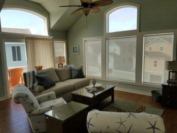 solar-shades-in-great-room