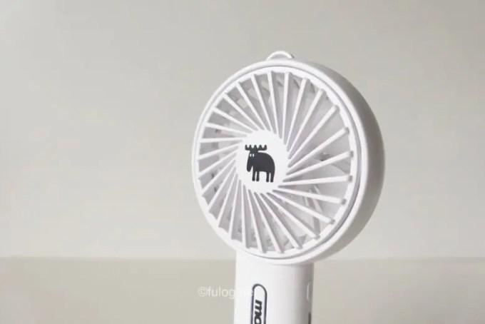 扇風機 moz 『moz』の持ち運びできるミニ扇風機セブン限定で発売!