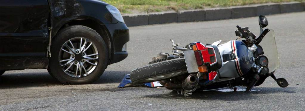 Lawyers provides you 6 ways to stay safe when riding a motorcycle