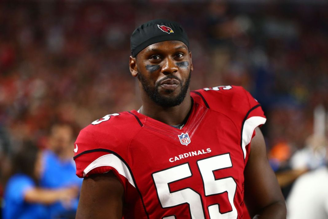 Cardinals aplica franchise tag em Chandler Jones