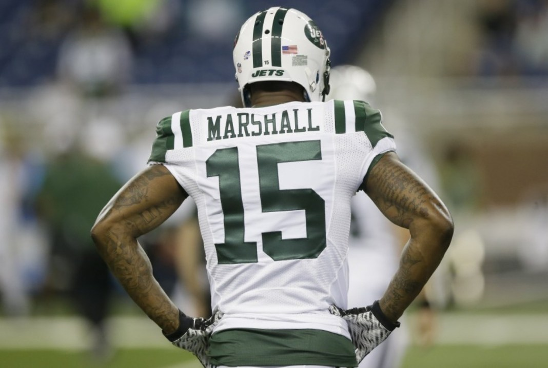 New York Giants assina com Brandon Marshall