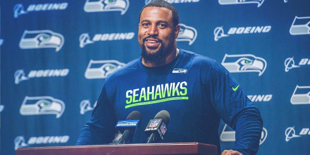 Seahawks troca por Duane Brown