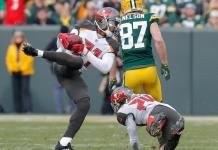 Green Bay Packers 26x20 Tampa Bay Buccaneers