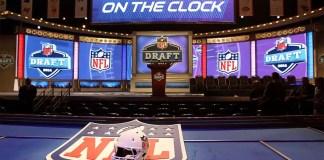 Para finalizar a cobertura do Fumble na Net do Draft da NFL deste ano, nada mais justo do que um mock draft que envolveu toda a equipe da redação do FNN.
