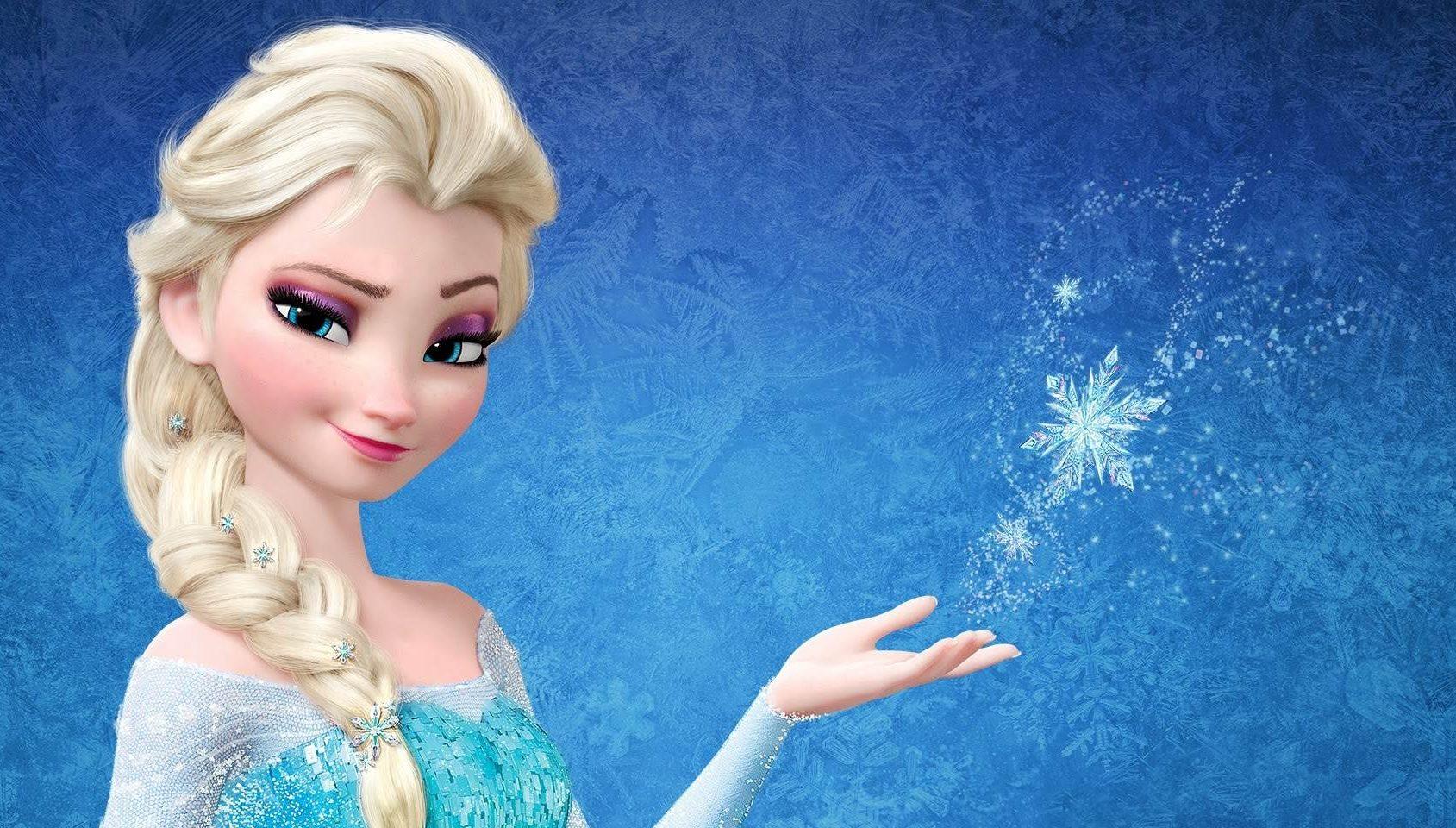 elsa snow queen in