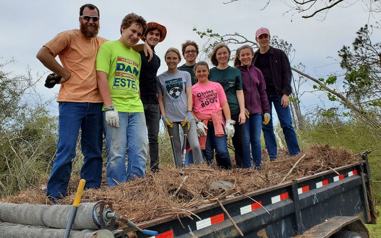 SB-19-group-on-worksite