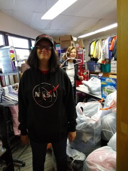 FUMC youth at the Nederland Clothes Closet.