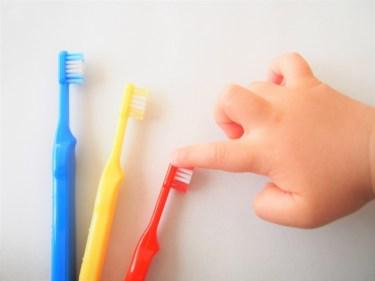 子供の歯磨き仕上げはいつまで必要?何分やる?嫌がる場合の対処法