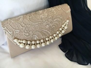 お呼ばれ結婚式サブバッグどんなものが持ち込みOK?紙袋は?色の決まりはある?