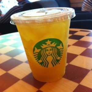 peach-green-tea-lemonade