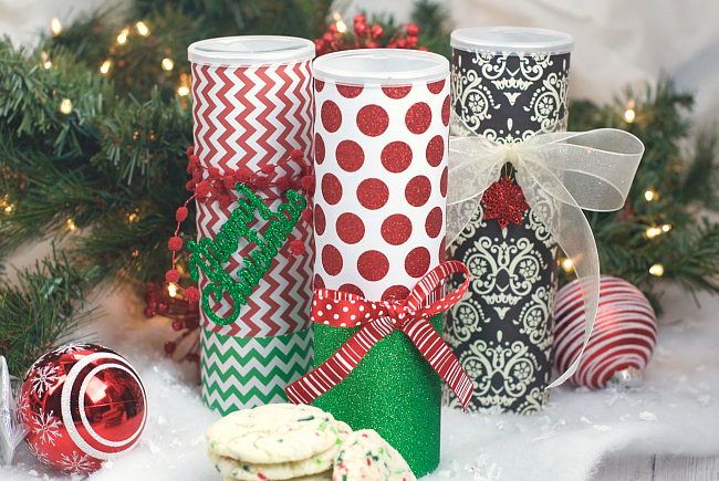Christmas Cookie Containers-Made from a Pringles can