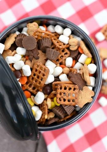 Peanut Butter Snack Mix