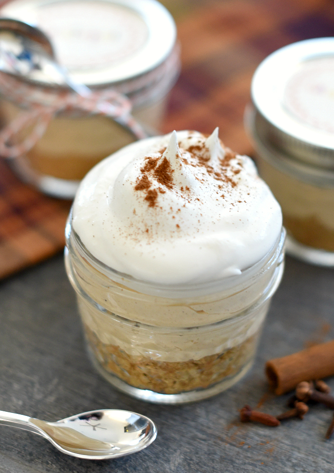 Mini Dessert for Thanksgiving Pumpkin Pie in a Jar