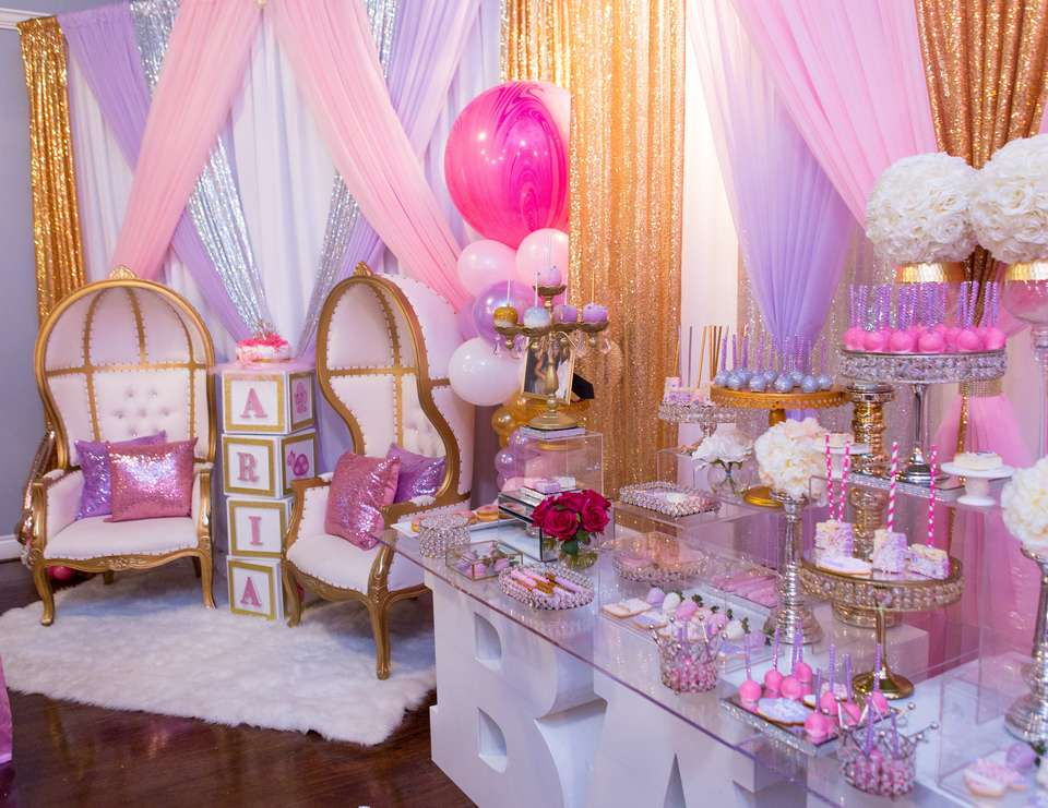 Cute girl baby shower themes ideas fun squared - Decoration baby shower girl ...