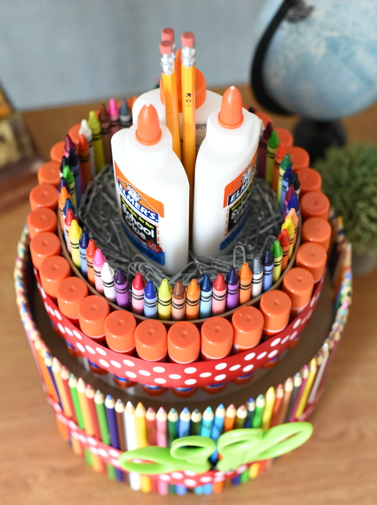 How to make a school supply cake