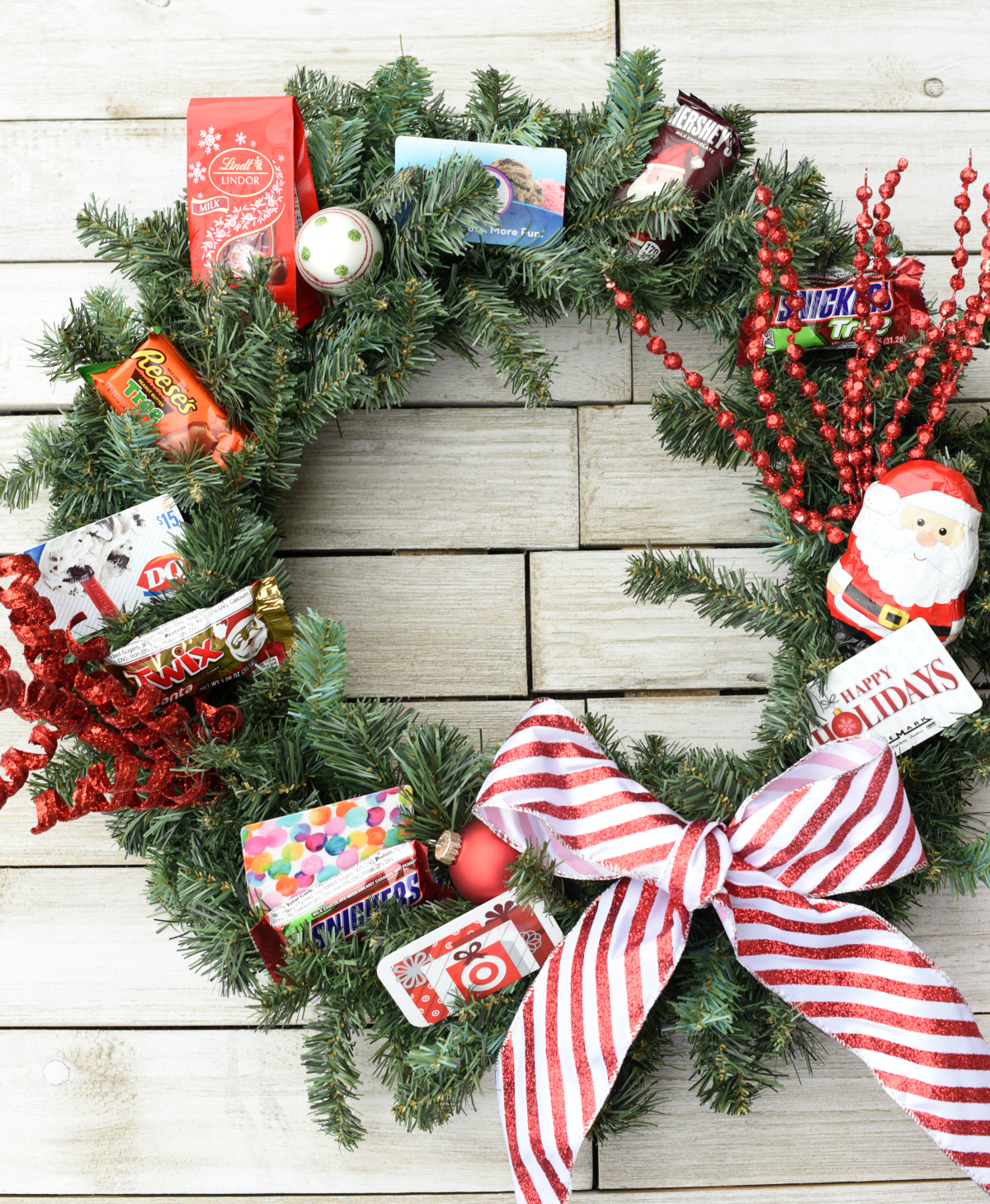 Creative Christmas Gift: Gift Card Wreath – Fun-Squared