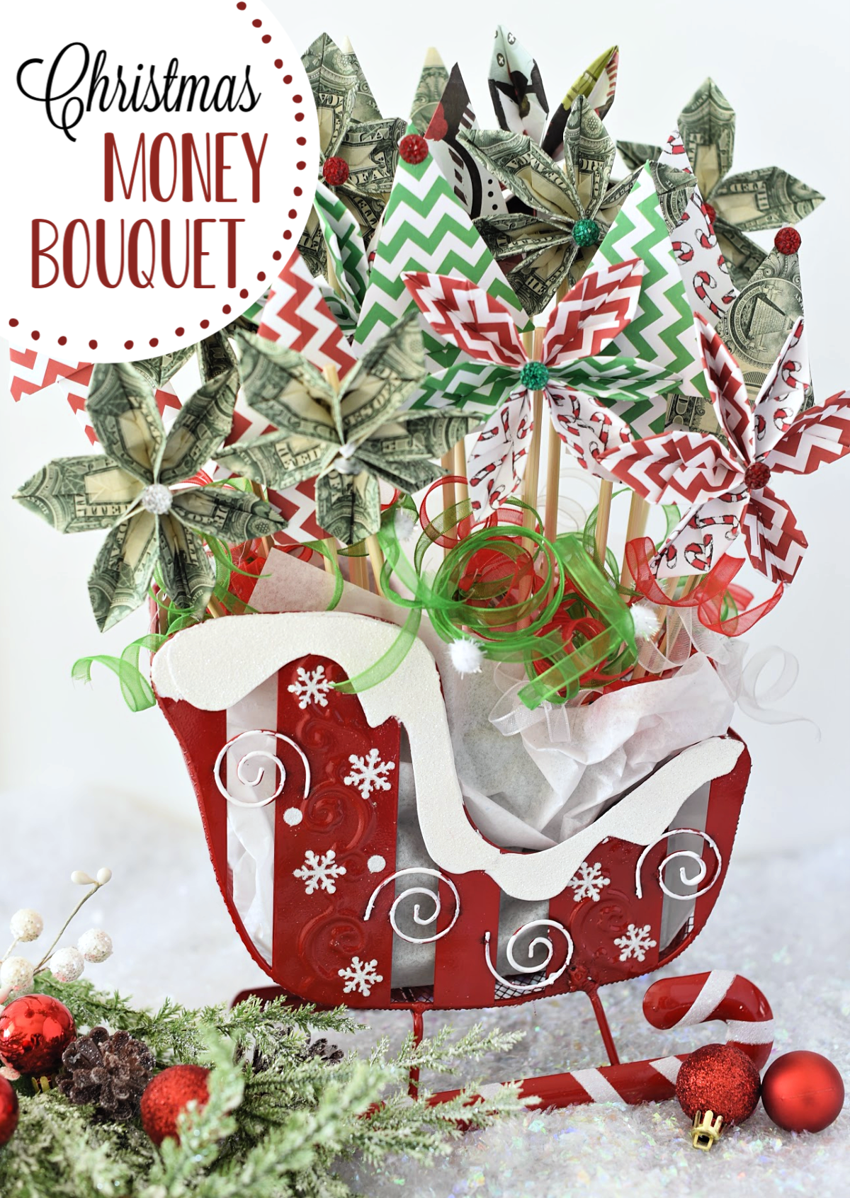 Christmas Money Bouquet makes the perfect Christmas gift! Such a fun and simple project, it makes giving money fun. #gifts #fungiftideas #funwaytogivemoney