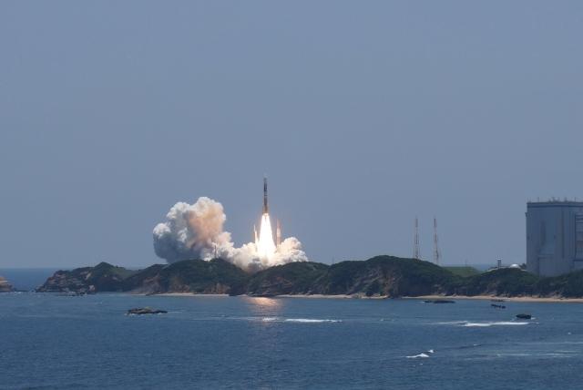 親子で作る!人工衛星・ロケットの無料ペーパークラフト!