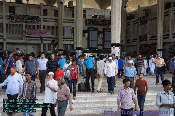 Estação de comboios em Dhaka, Bangladesh