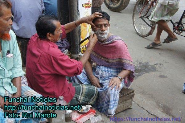 Barbearia em plena rua