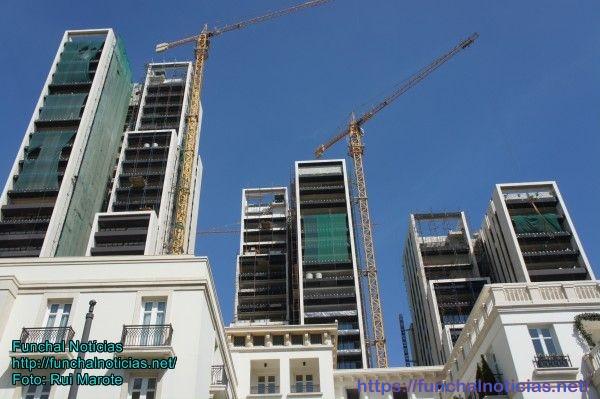 O programa de reconstrução é bem visível nos novos edifícios